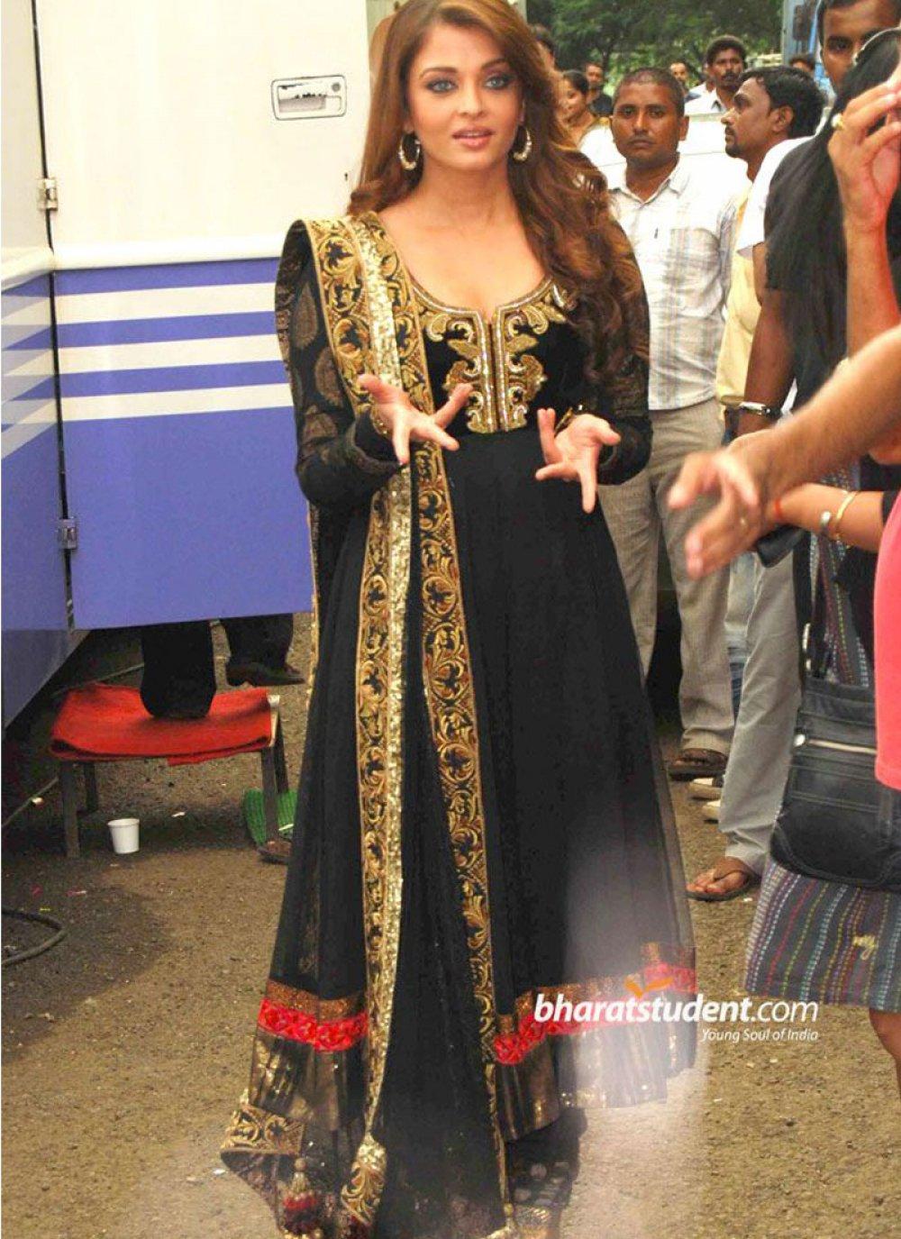 Black Bollywood Salwar Kameez