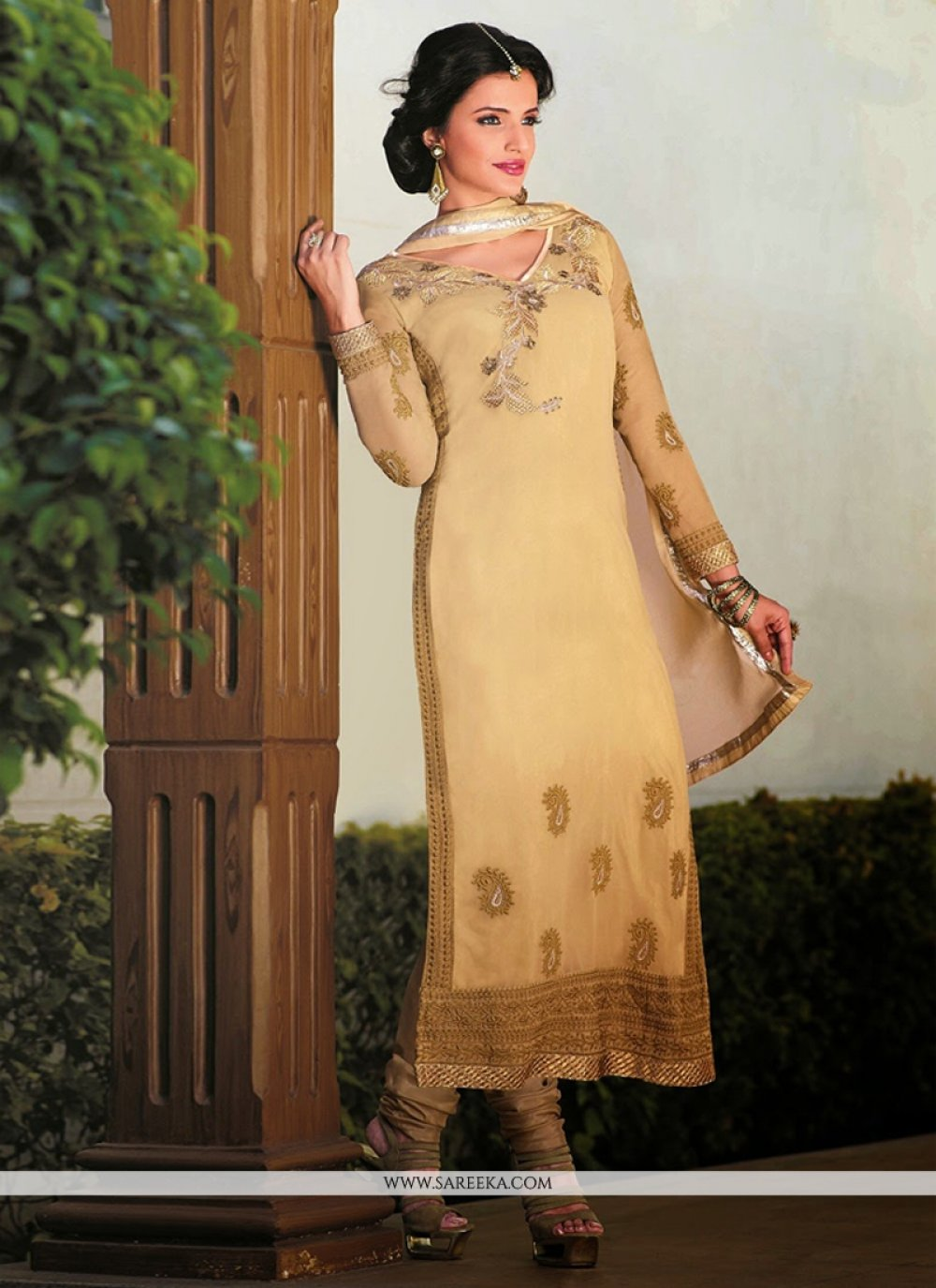 Galvanizing Cream Resham Work Churidar Suit
