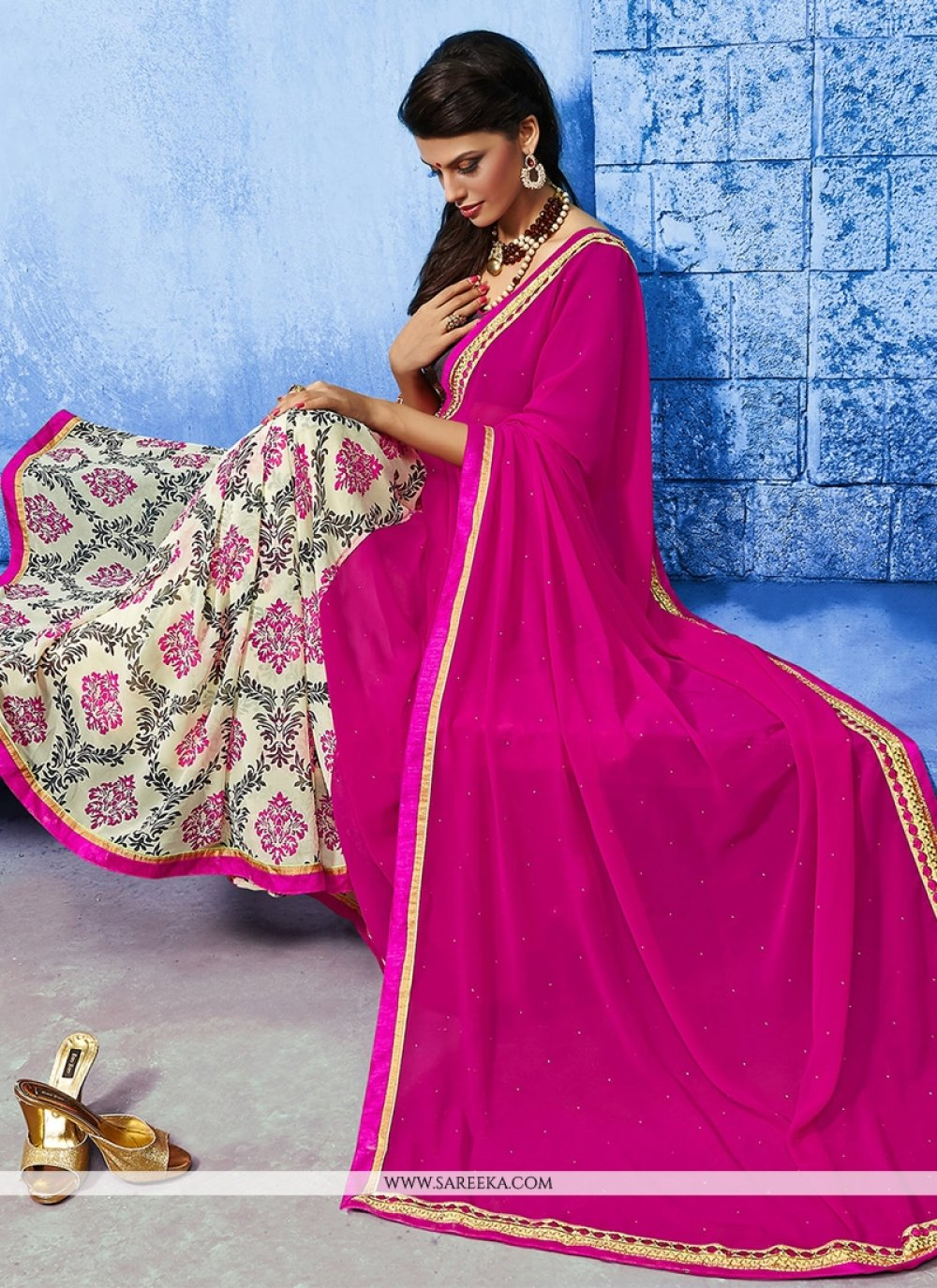 Lustrous Weight Less Designer Saree