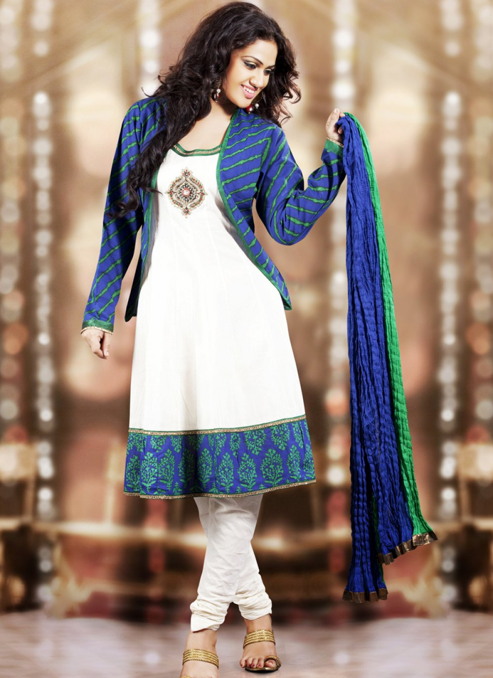 Magnificient Deep Blue & White Salwar Kameez