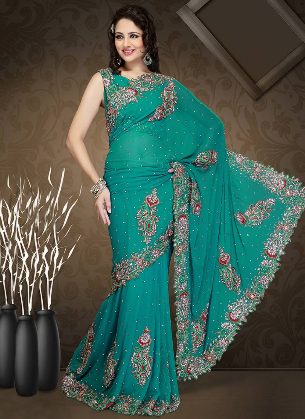 Scalloped Teal Border Georgette Saree
