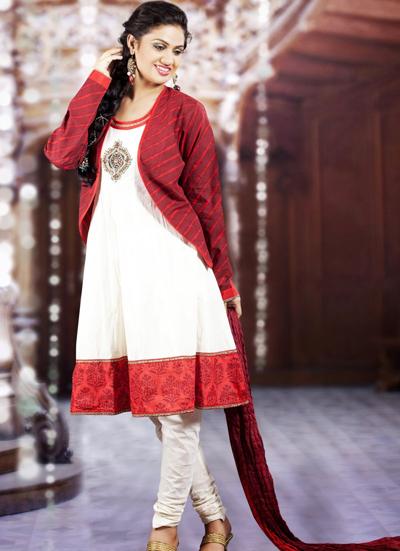 Splendorous Burgundy & White Salwar Kameez