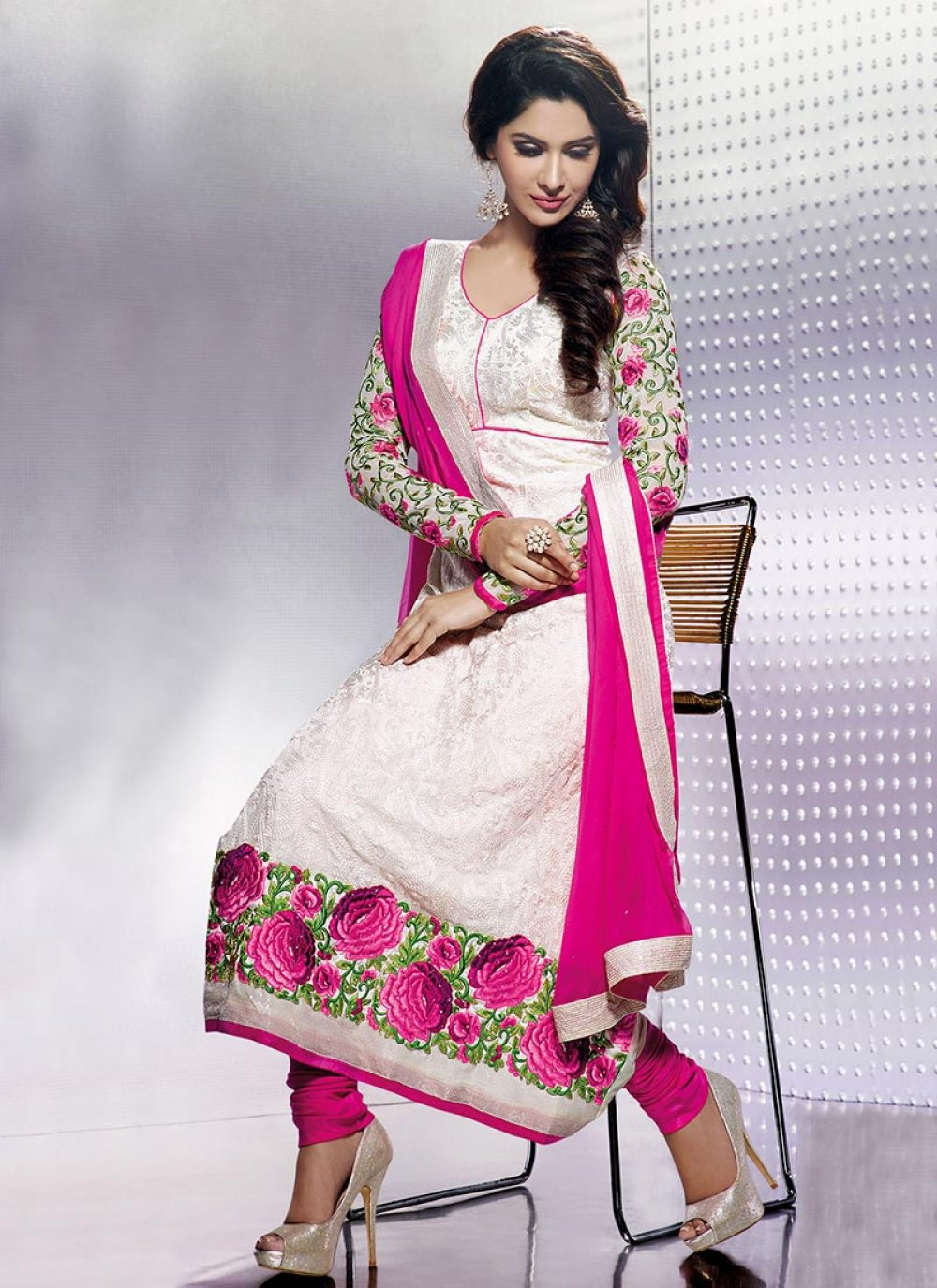 Pink And White Border Work Churidar Suit