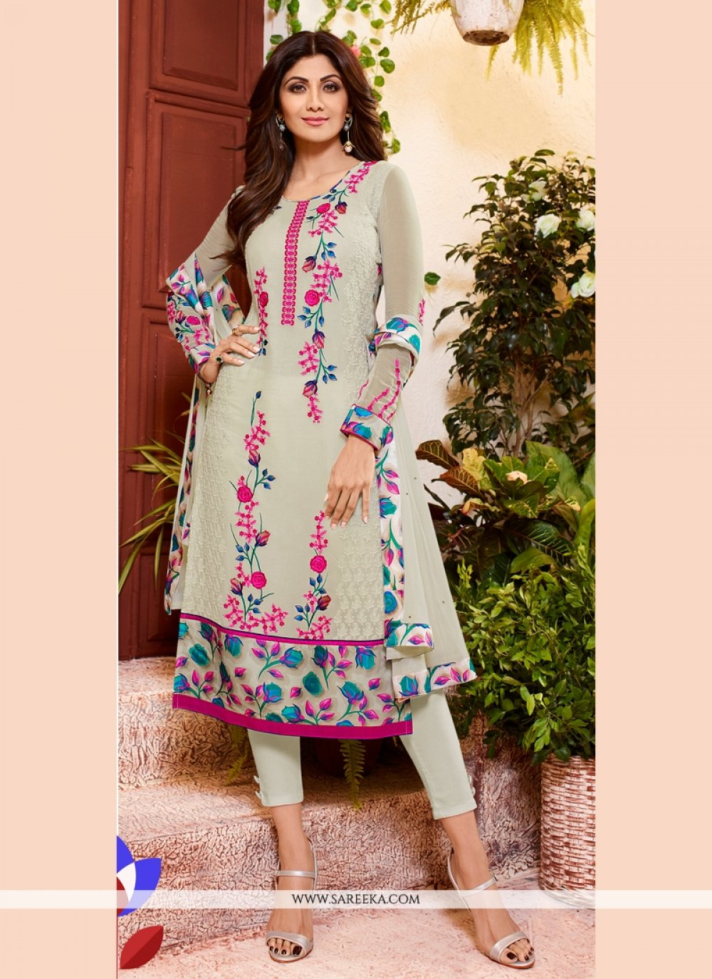 Shilpa Shetty Off White Churidar Designer Suit