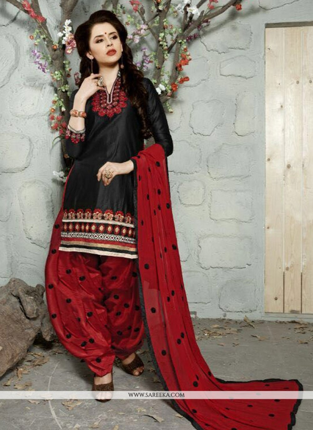 Cotton   Black Trendy Punjabi Churidar Suit