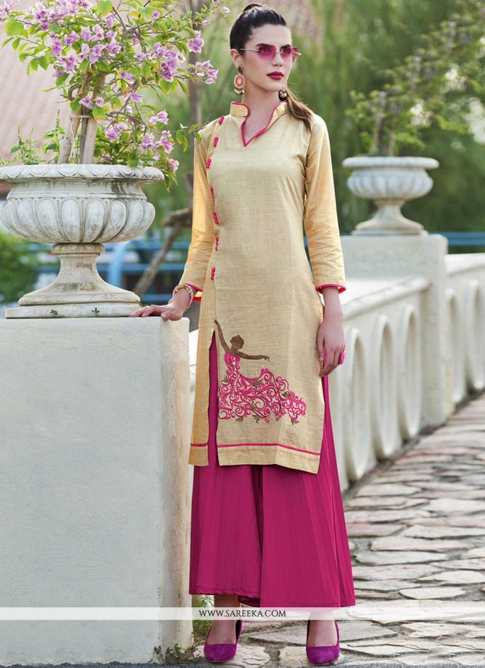Cotton   Embroidered Work Party Wear Kurti