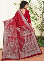 Weaving Crepe Silk Traditional  Saree in Red