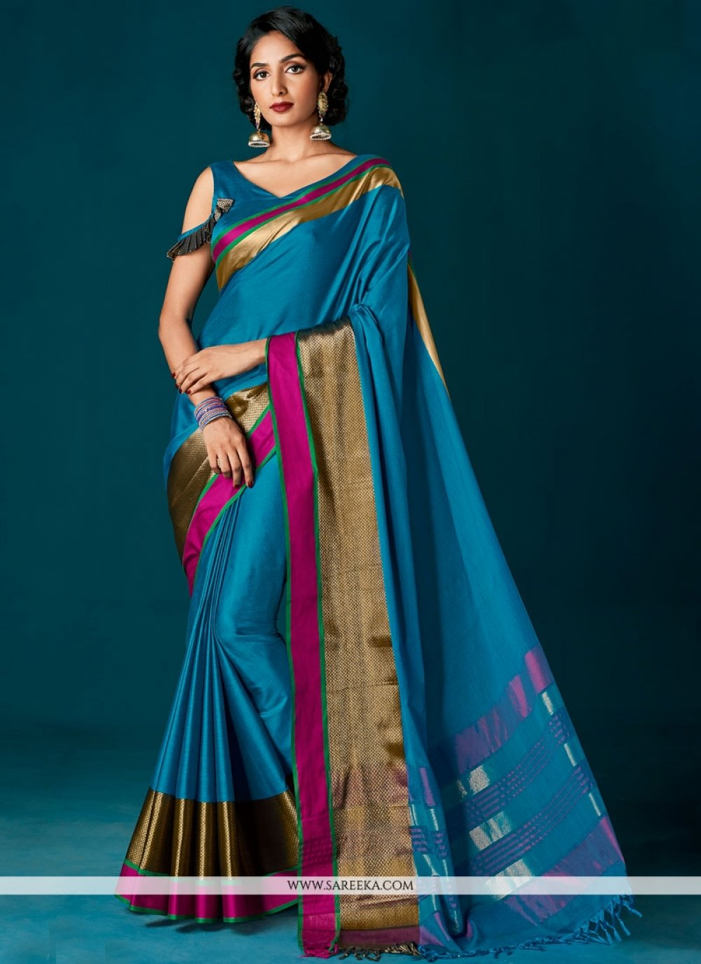 woven Cotton   Classic Saree in Blue