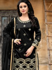 Black Punjabi Suit