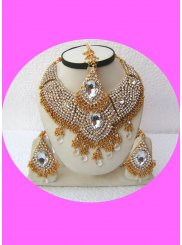 Diamond Gold and White Necklace Set