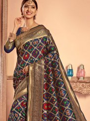 Patola Silk  Weaving Traditional  Saree in Blue