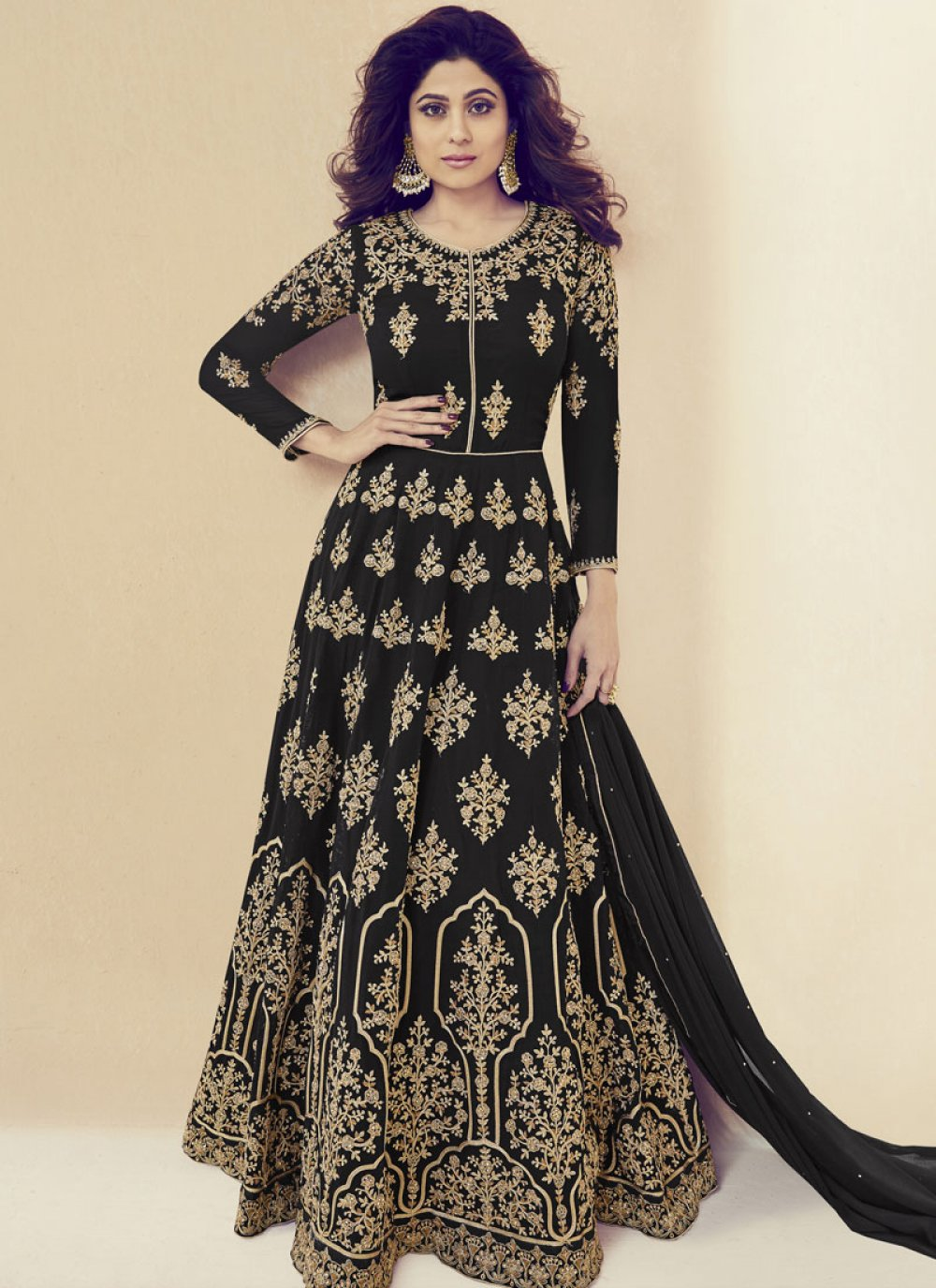Shamita Shetty Black Floor Length Anarkali Suit