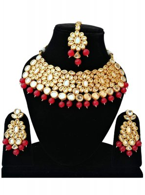 Stone Bridal Jewellery in Gold