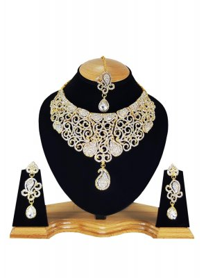 Stone Work Gold and White Necklace Set