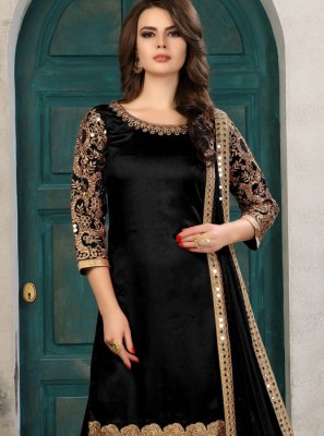 Black Embroidered Work Salwar Kameez