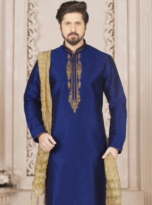 Embroidered Art Banarasi Silk Kurta Pyjama in Blue