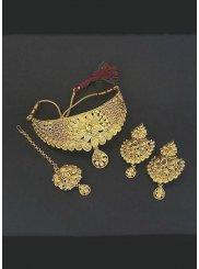 Gold Kundan Necklace Set