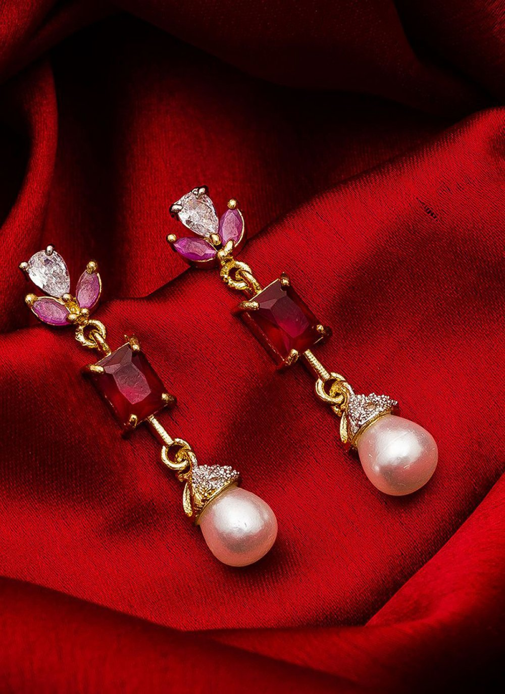 Gold Reception Ear Rings