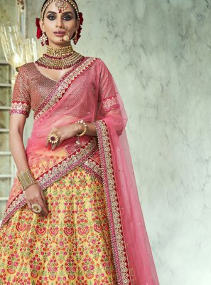 Handloom silk Embroidered Lehenga Choli
