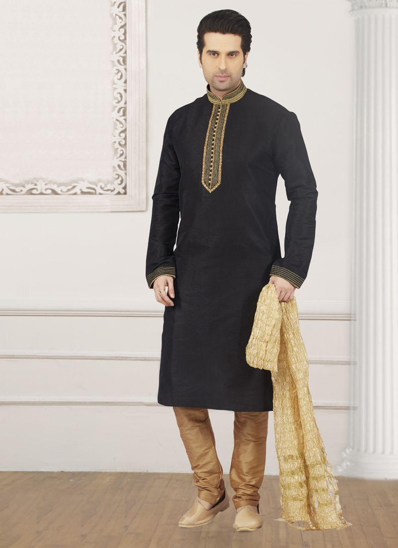 Kurta Pyjama Embroidered Art Banarasi Silk in Black