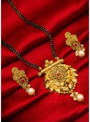 Mangalsutra Stone in Gold