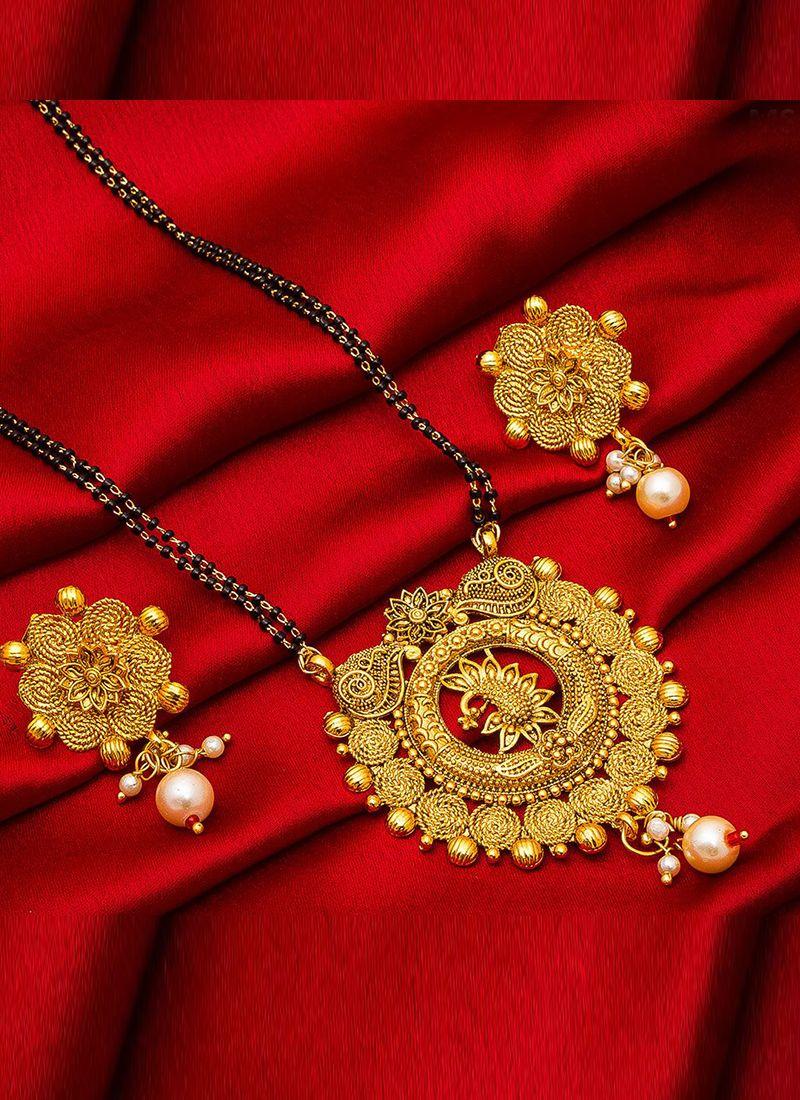 Mangalsutra Stone Work in Gold
