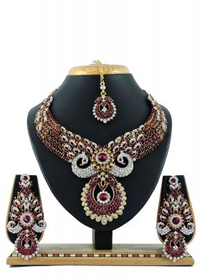 Maroon Stone Work Necklace Set