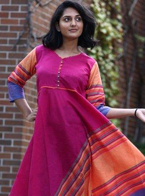 Party Wear Kurti Printed Cotton in Rani