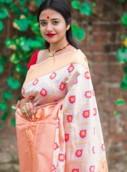 Print Silk Designer Traditional Saree in Red and White