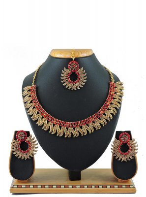 Red Color Necklace Set