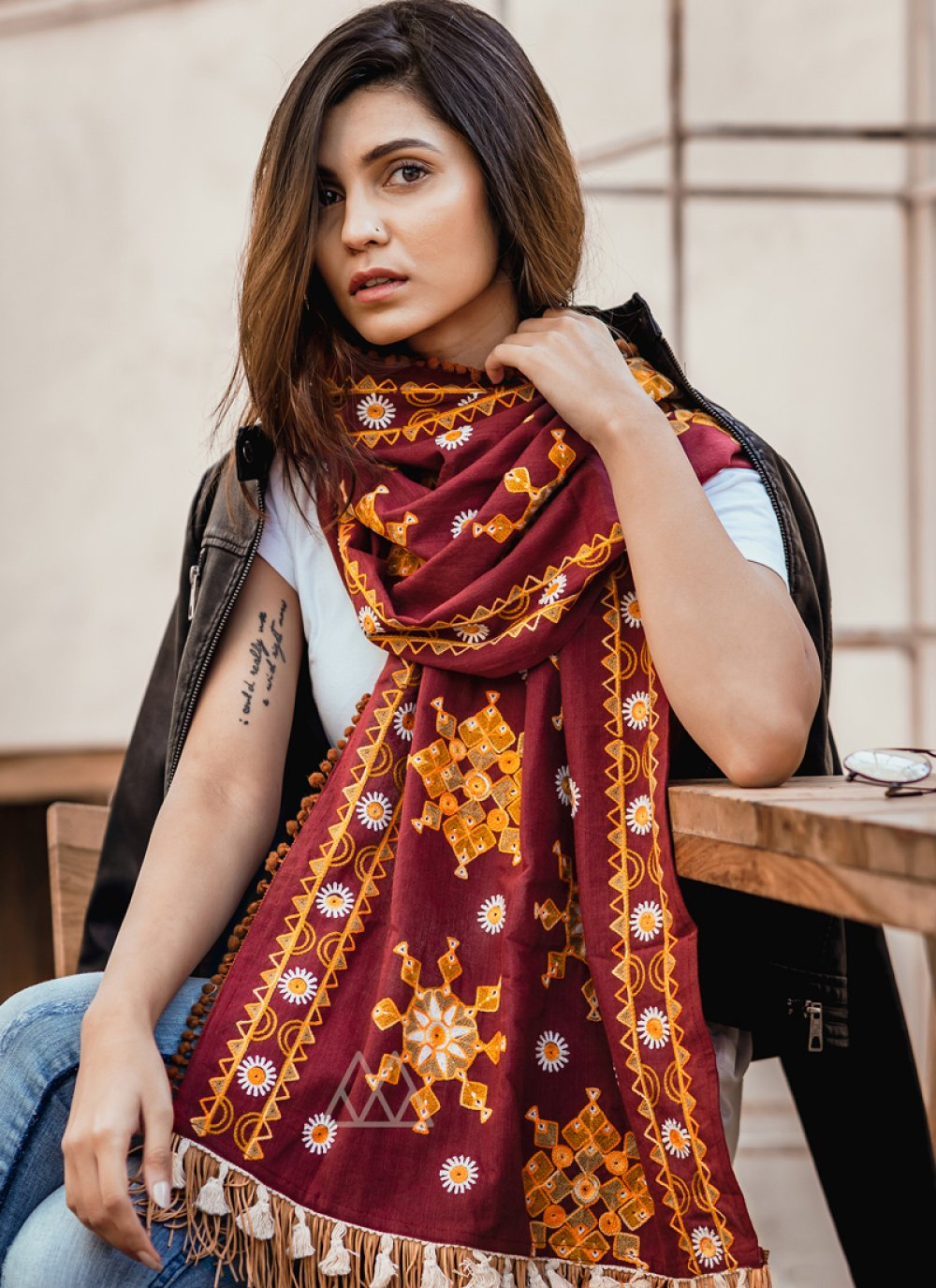 Stole Embroidered Khadi in Maroon
