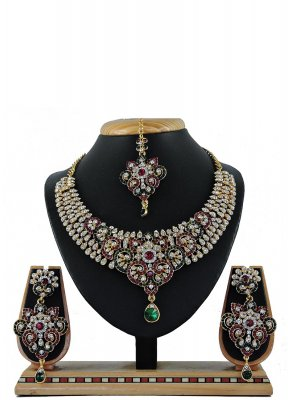 Stone Work Green Necklace Set