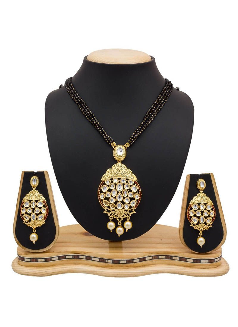 Stone Work Mangalsutra in Black and Gold