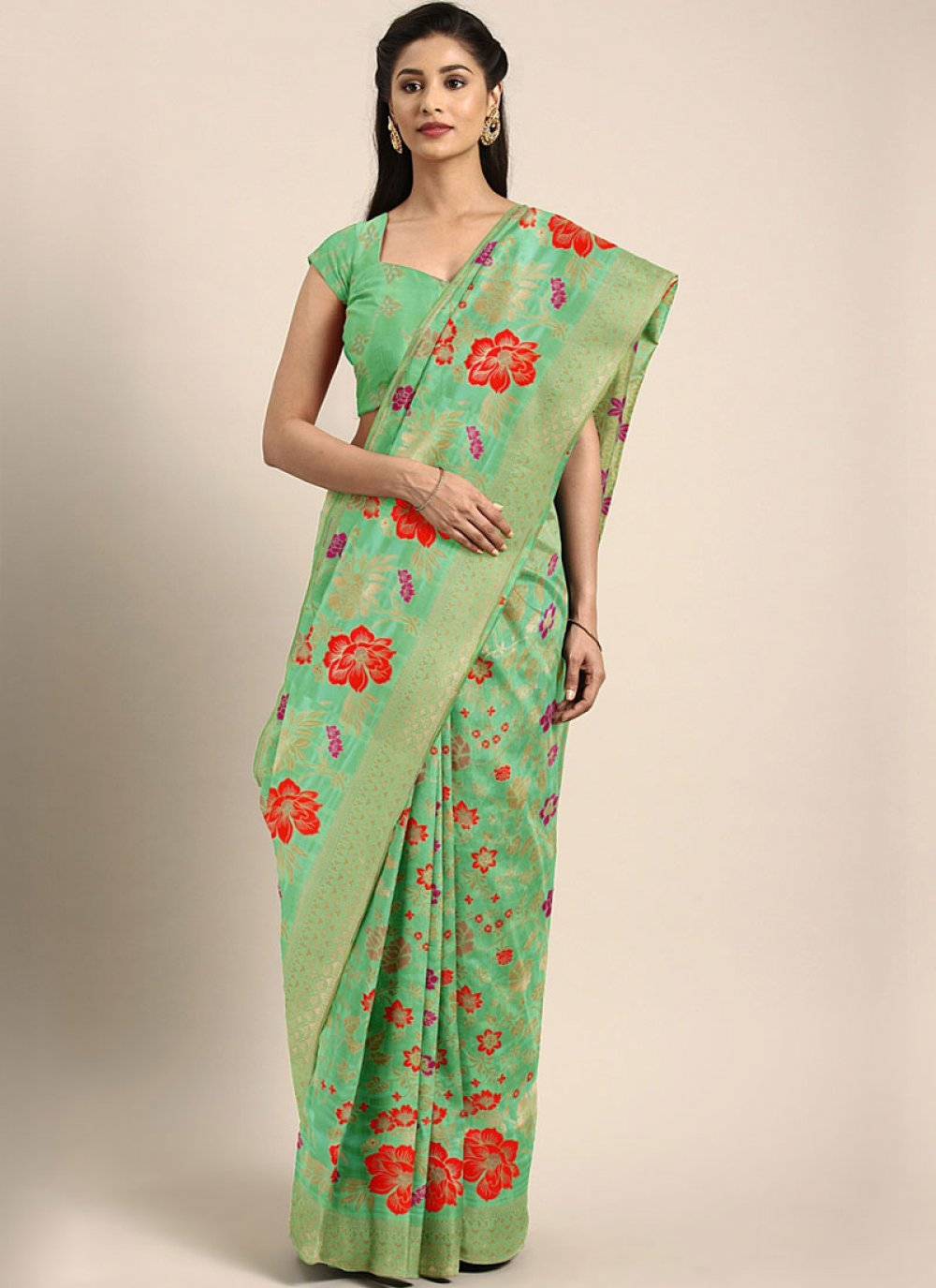 Trendy Saree For Mehndi