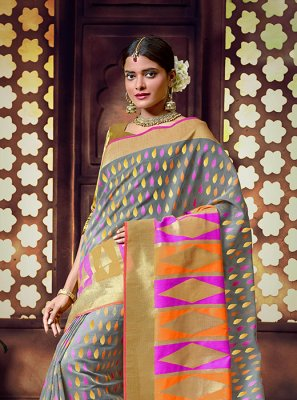 Weaving Gold and Grey Traditional Saree