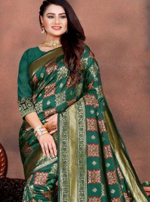 Weaving Green Traditional Saree