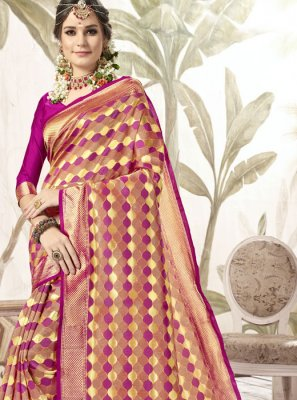 Weaving Magenta Silk Traditional Saree