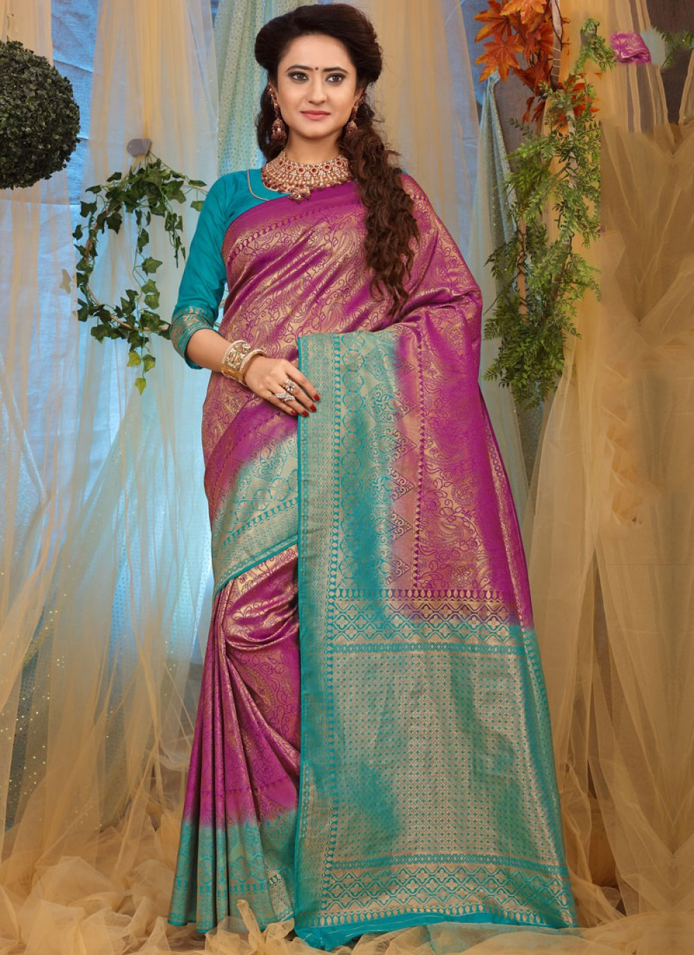Weaving Magenta Traditional Designer Saree