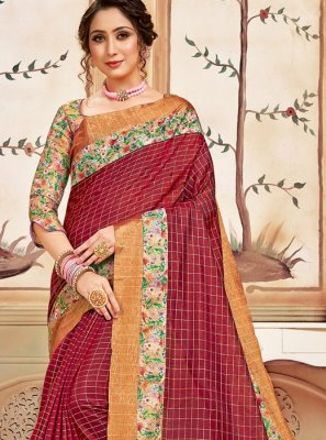 Abstract Print Cotton Classic Saree in Red