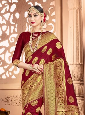 Art Banarasi Silk Classic Saree in Maroon