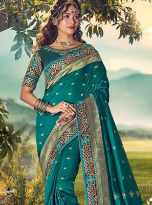 Art Dupion Silk Designer Traditional Saree in Grey