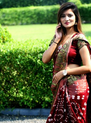 Art Silk Pink and Red Weaving Trendy Saree