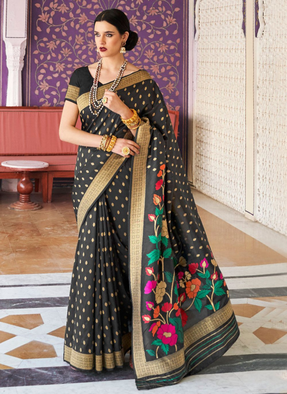 Black Weaving Handloom silk Trendy Saree