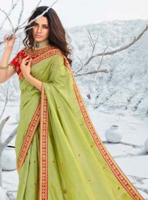 Border Silk Classic Saree in Green