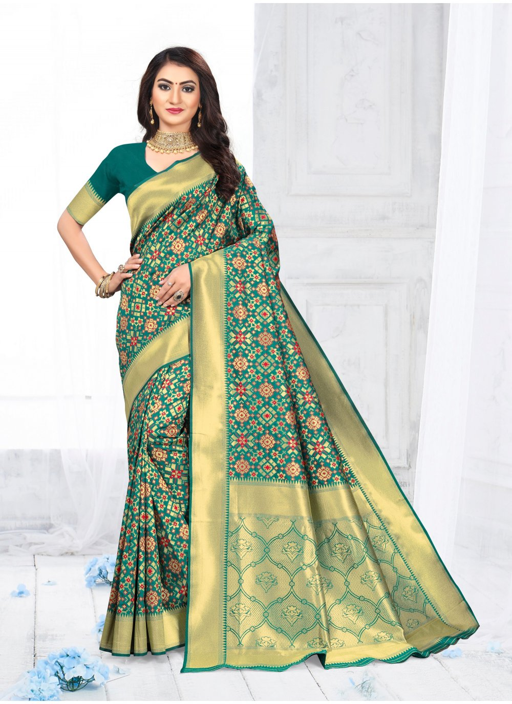 Casual Saree Weaving Silk in Green