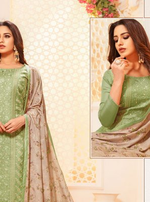 Churidar Salwar Suit Thread Silk in Green