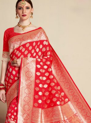 Classic Designer Saree Weaving Banarasi Silk in Red