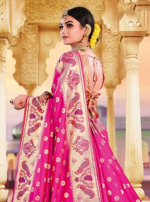 Classic Saree Weaving Art Silk in Rani