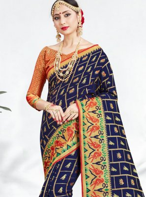 Classic Saree Weaving Banarasi Silk in Navy Blue
