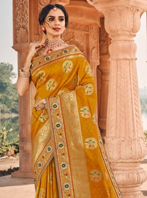Classic Saree Weaving Banarasi Silk in Yellow